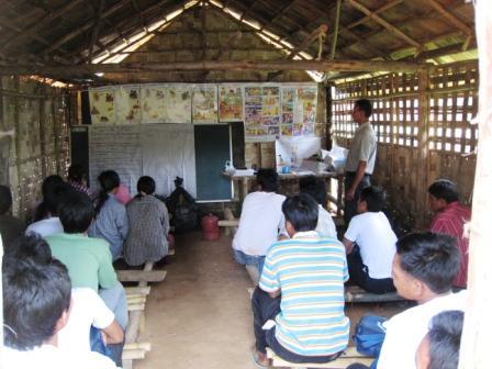 Monitoring Meeting für Freiwillige Rot-Kreuz-Helfer aus 10 Dörfern