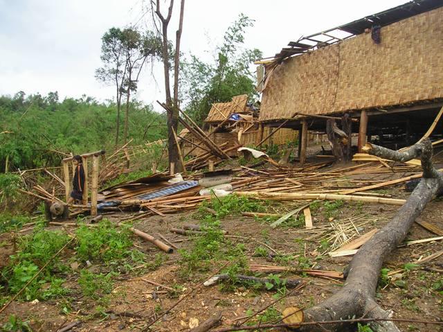 Die Zerstörungen in Mocksouk Khoung im Bezirk Pha Oudom in Laos. Bild: LRC/Kittipum Mocksouk