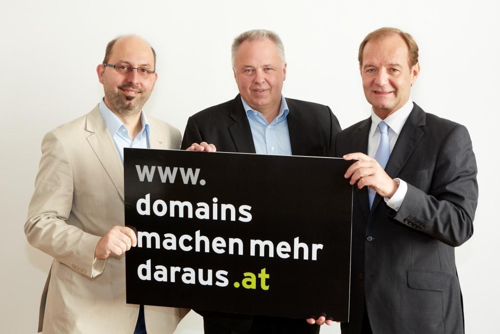 Gerald Czech, Richard Wein und Alfred Hartl bei der Pressekonferenz von nic.at am 10. Oktober 2012 in Wien